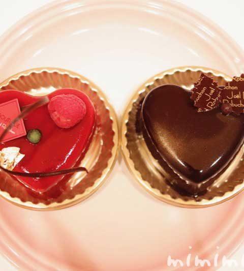 ジョエルロブションのクリスマスのショートケーキ「ショコラバニーユ」と「ルージュ」