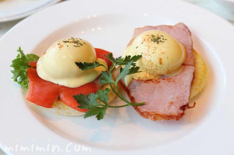 種子島いわさきホテルのレストラン「ティアラ」の朝食 エッグベネディクトの写真