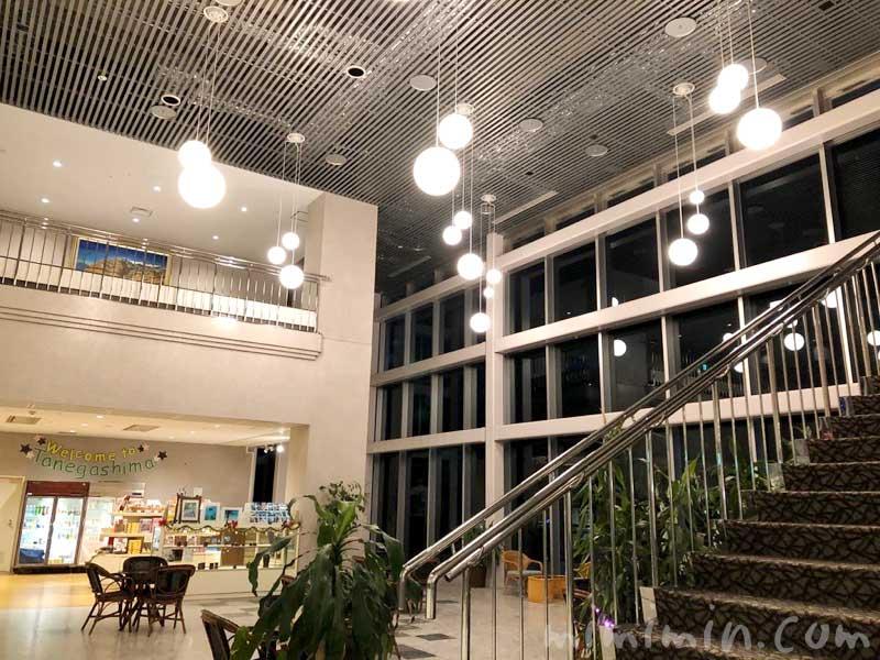 種子島いわさきホテルのロビーと売店の写真