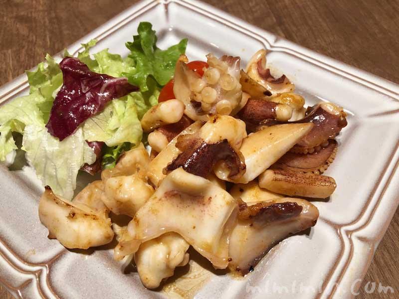 種子島いわさきホテルのレストラン「ティアラ」の夕食 イカのソテーの画像