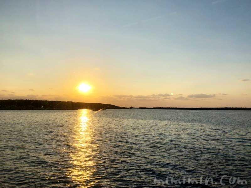 種子島の海の夕日の写真