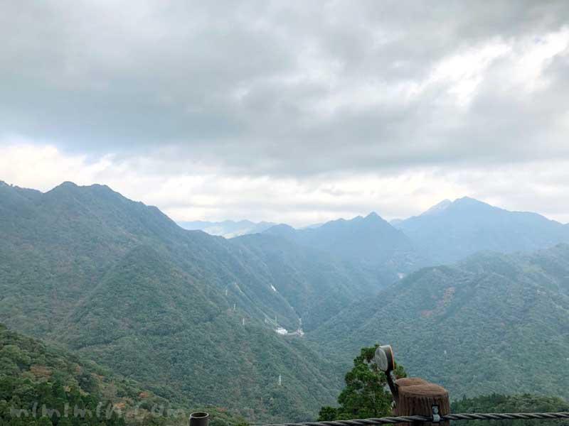 屋久島の山の風景の写真