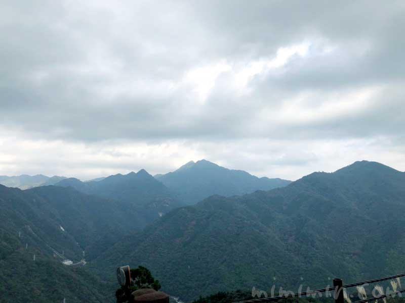 屋久島の山の画像