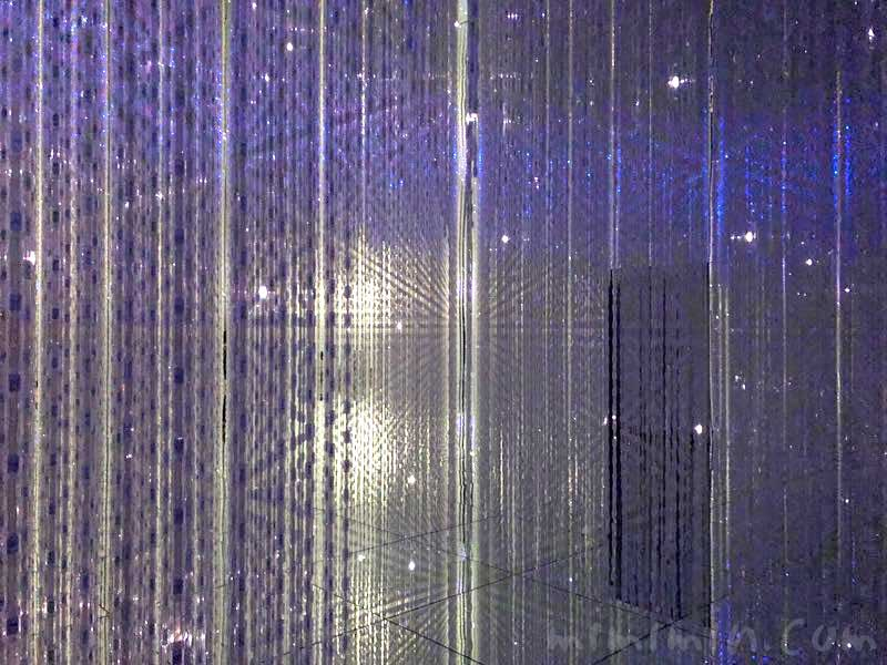 The Infinite Crystal Universe チームラボ プラネッツの写真