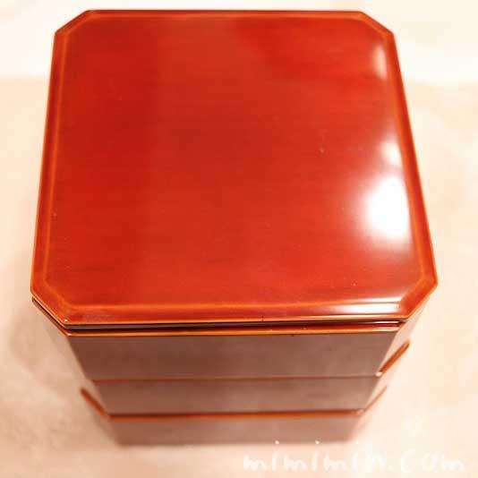 飛騨春慶塗の隅切三段小重(4.5寸重)1人用のおせちの画像