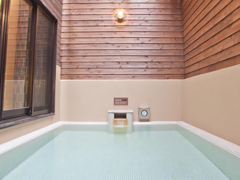 種子島温泉 赤尾木の湯の露天風呂の外観