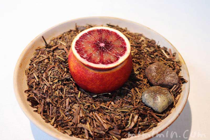 愛知 ブラッドオレンジ・静岡 柑橘・静岡 三年番茶|NARISAWA(ナリサワ)のランチの写真