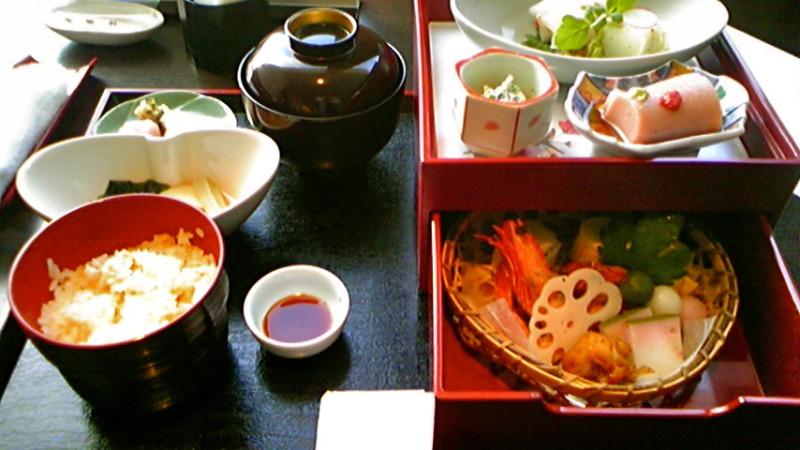 京懐石「美濃吉」のお花見弁当の画像