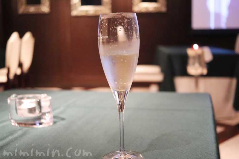 ガルニエでディナー・シャンパンの写真