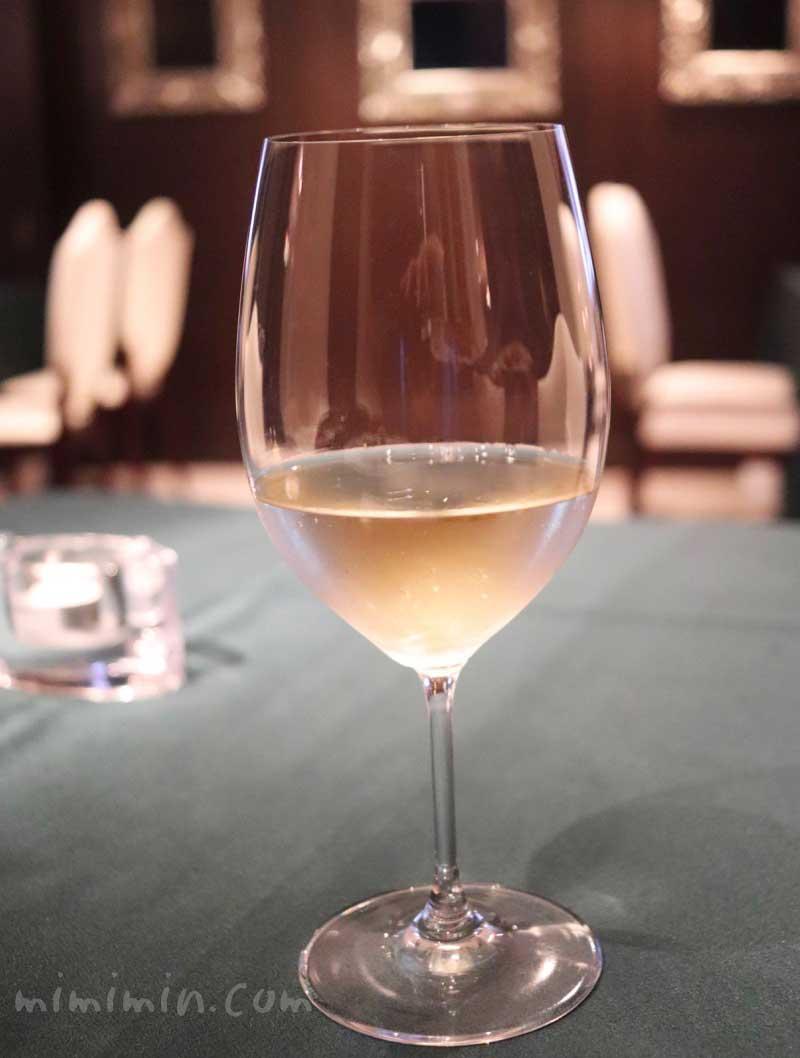 ガルニエでディナー・白ワインの写真
