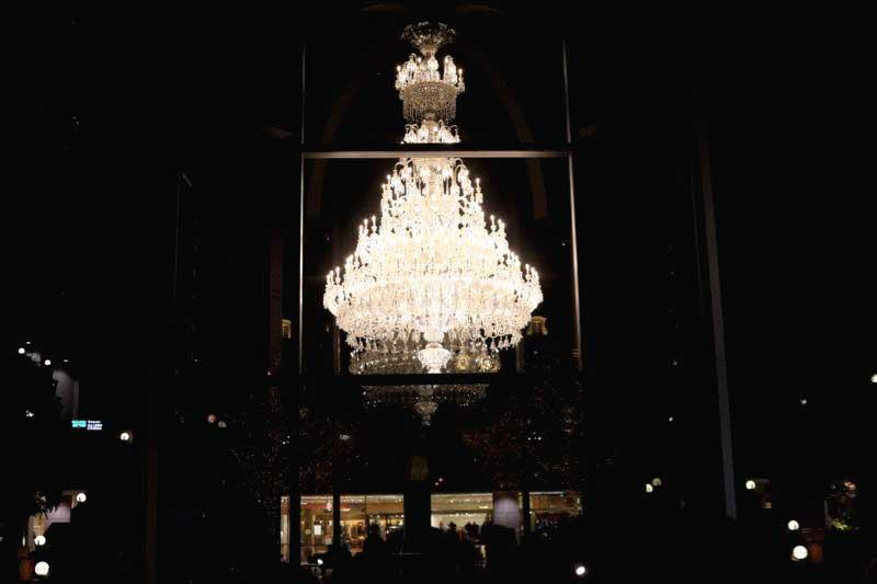 恵比寿ガーデンプレイスのバカラのシャンデリア2020年の写真
