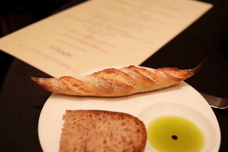 パン|ガストロミー ジョエル・ロブションのデグスタシオンコースの画像