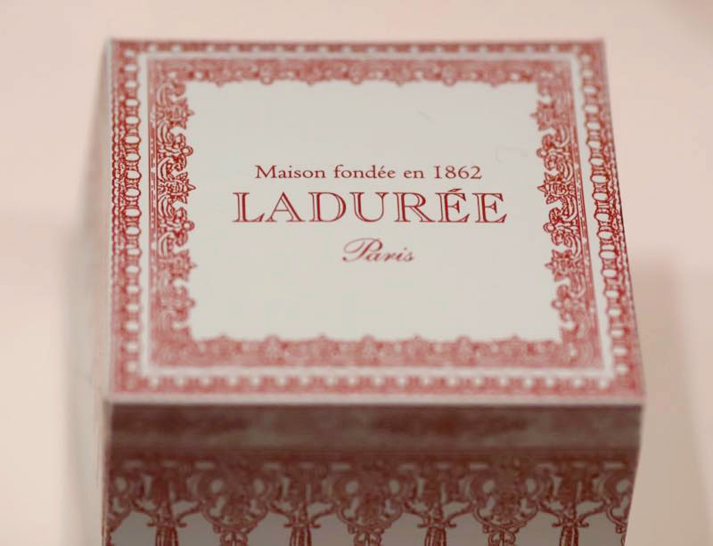 ラデュレ シブーストの箱の写真
