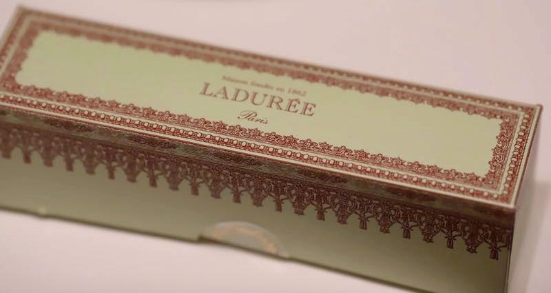 デュレ マカロンの箱の写真